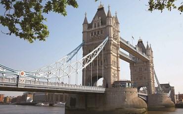 Tower Bridge)