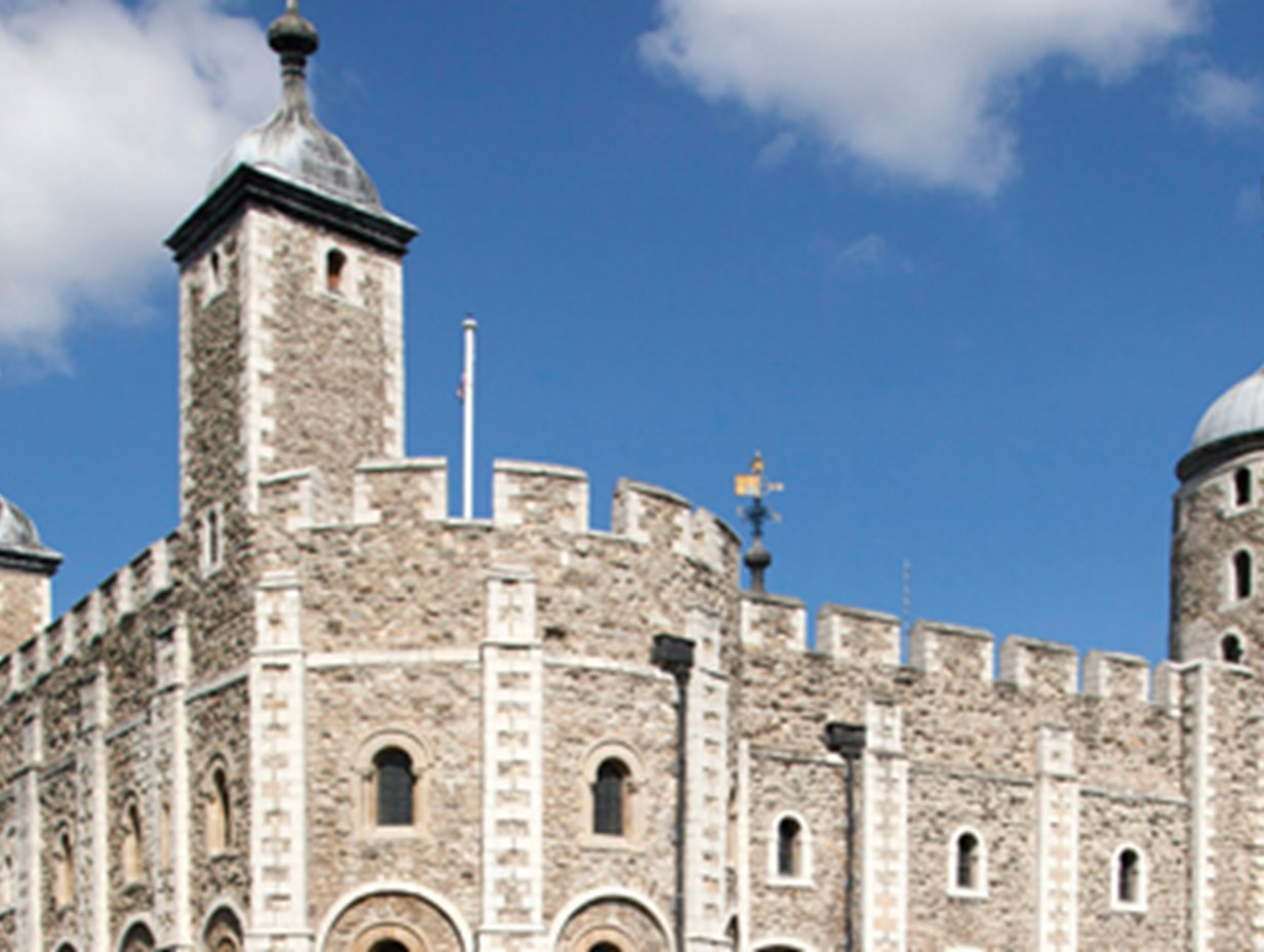 https://www.daysoutguide.co.uk/media/428120/tower-of-london-detail.jpg