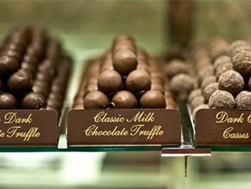 https://www.daysoutguide.co.uk/media/428777/chocolate-vip-london-detail.jpg