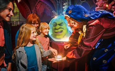 DreamWorks Tours; Shrek's Adventure! London)