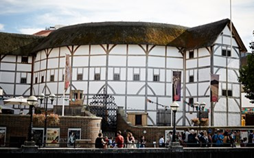 Shakespeare's Globe  Exhibition & Theatre Tour )