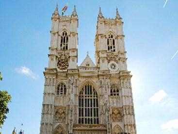 https://www.daysoutguide.co.uk/media/428165/westminster-abbey-detail.jpg